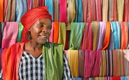 Shy Scarfseller, Zanzibar III