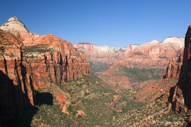 zion canyon - ID: 6842825 © Phil Burdick
