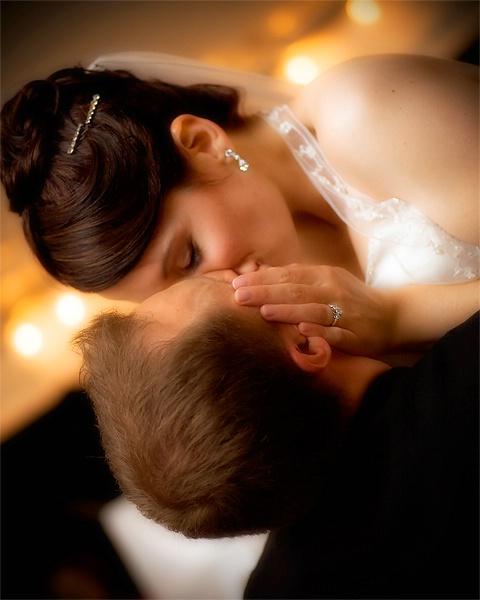 <B>The Kiss</b>