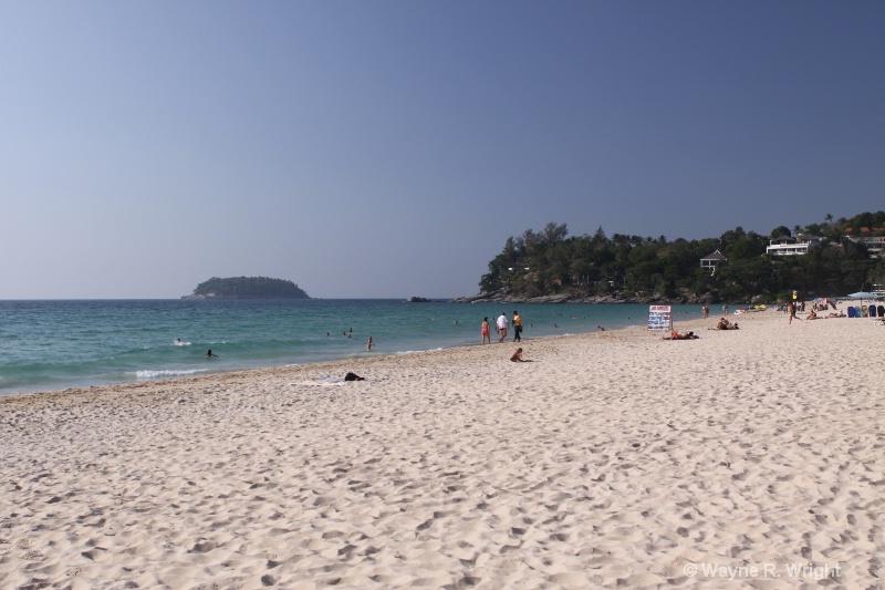 kata beach 2 - ID: 7927808 © Wayne R. Wright