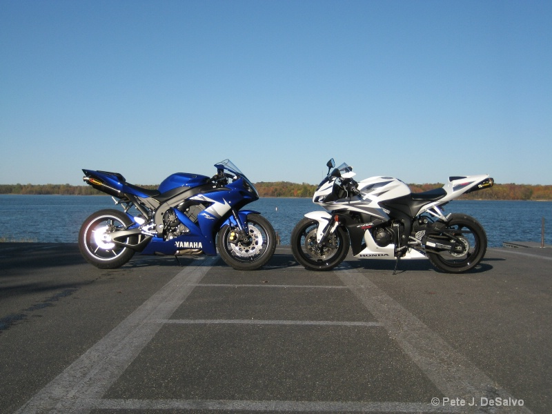 Yamaha R1 & Honda CBR600 RR - ID: 8043333 © Pete J. DeSalvo
