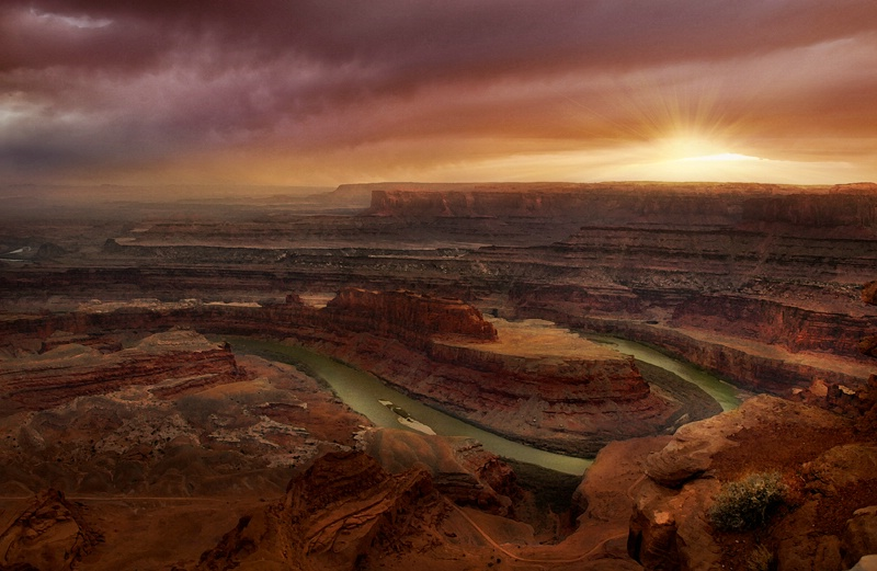 Dead Horse Point Overlooking the Colorado River