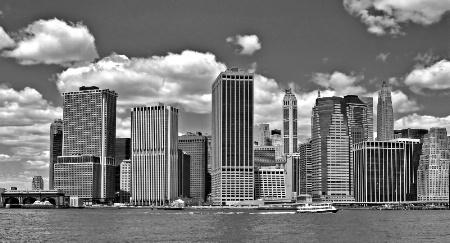 Manhattan Skyline (Monotone)