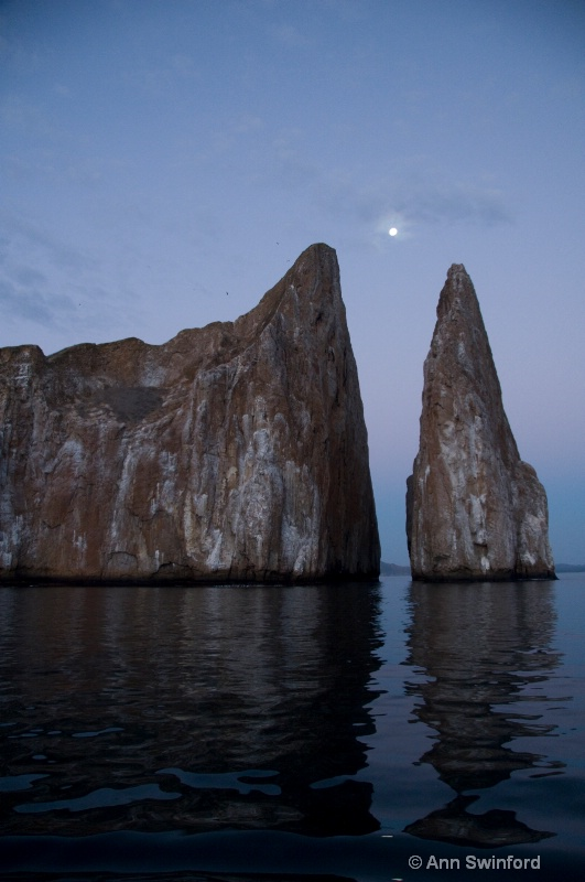 Kicker Rock at moonrise - ID: 8117355 © Ann E. Swinford