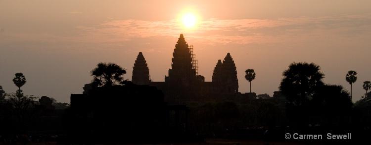 Angkor Wat Sunrise 1 - ID: 8258469 © Carmen B. Sewell