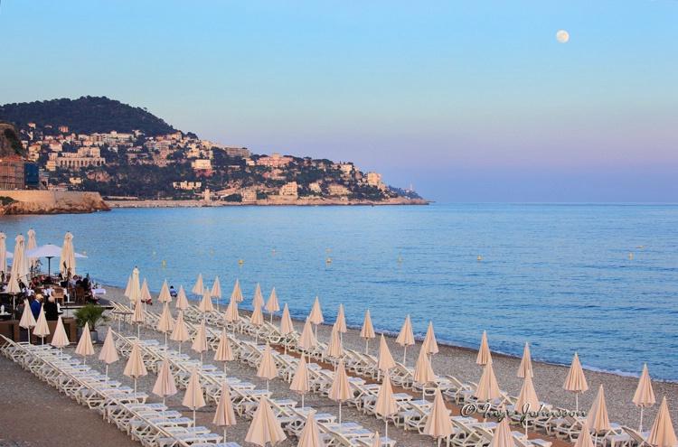 Riviera Moonrise