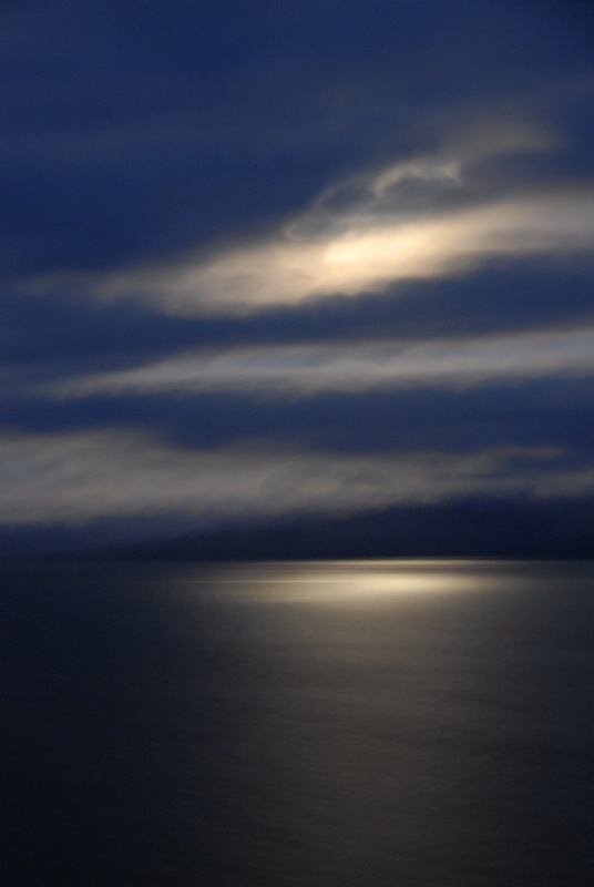 Moon over Straits of Juan de Fuca - ID: 8400905 © Dave Loomis