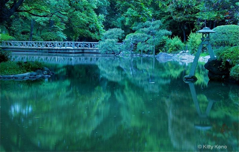 Lantern and Pond at Arisugawa - ID: 8435209 © Kitty R. Kono