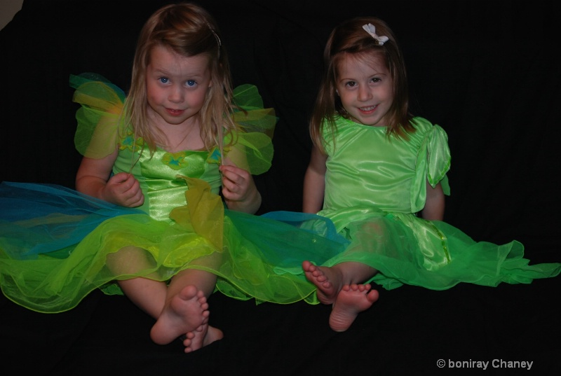 Two girls dance co. - ID: 8491027 © BoniRay Chaney