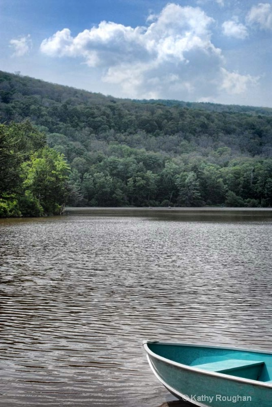 Lake Scene - ID: 8740687 © Kathleen Roughan