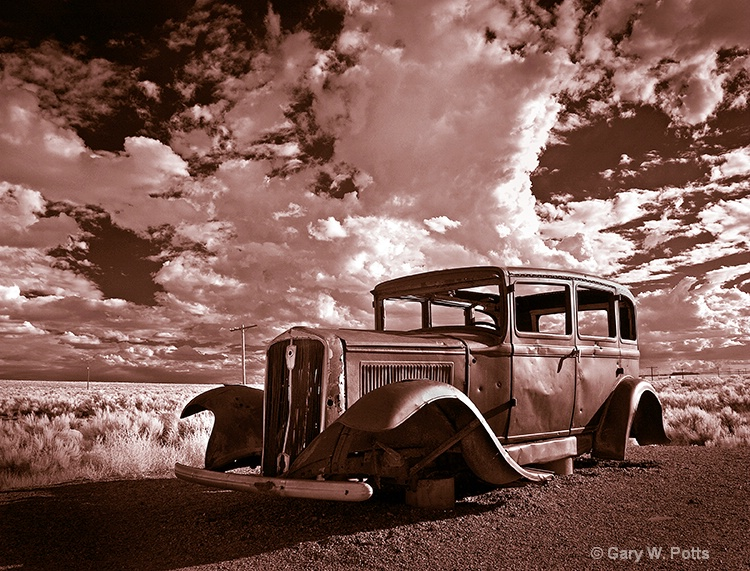 Along Route 66 - ID: 8768351 © Gary W. Potts