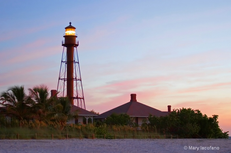 Sanibel Island Lighthouse - ID: 8781895 © Mary Iacofano