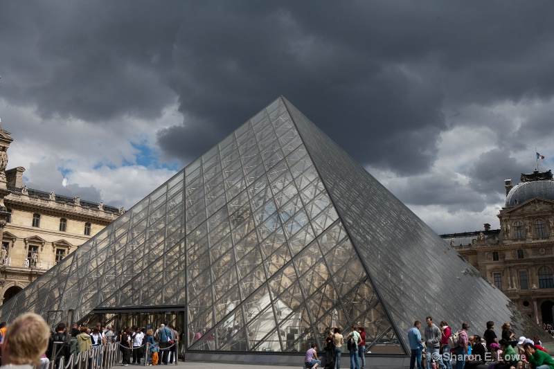 The Pyramid, Le Louvre, Paris - ID: 9033079 © Sharon E. Lowe