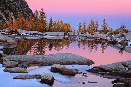 Pink Glow (Enchantment Lakes)