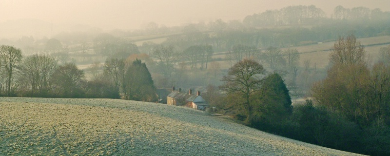 Winter in the Brit Valley - ID: 9389402 © Allan King
