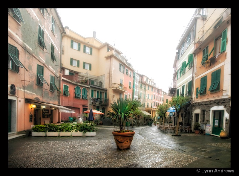 Vernazza Street Scene - ID: 9398392 © Lynn Andrews