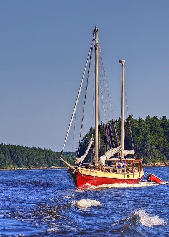 Sailing Through Maine - ID: 9669551 © Jeff Robinson