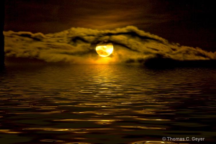 Moonrise - ID: 9843678 © Thomas C. Geyer