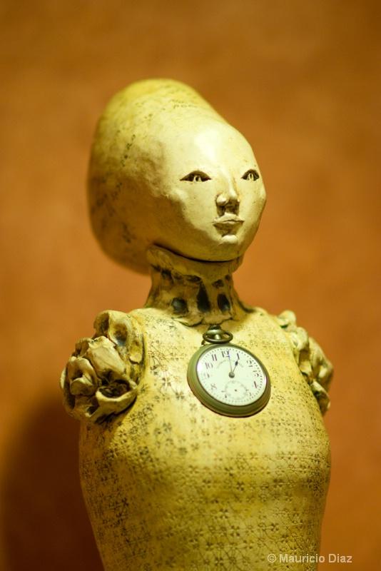 Time in Woman - ID: 9905350 © Mauricio Diaz