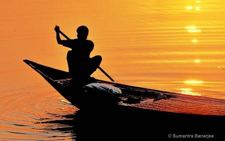setting sun  river ganges