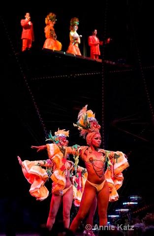 tropicana dancers - ID: 9995335 © Annie Katz