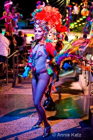 tropicana finale - ID: 9995336 © Annie Katz