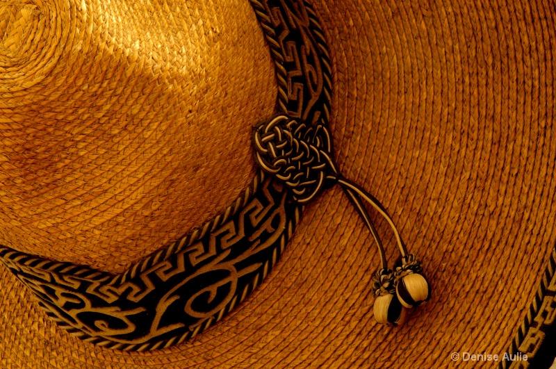 El Sombrero  - ID: 9998624 © Denise Aulie