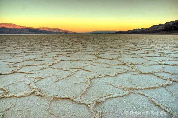 Death Valley - ID: 10047920 © Robert F. Sahara