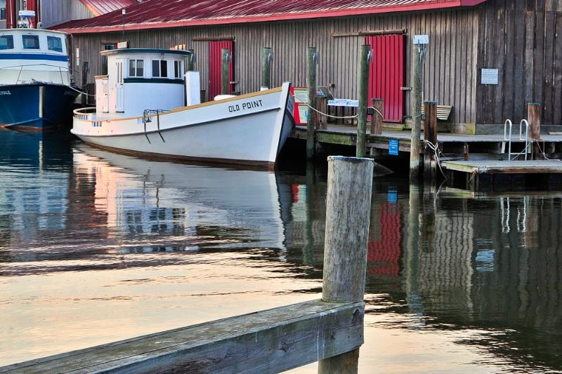 Boat at Dock - ID: 10248446 © Jack Kramer