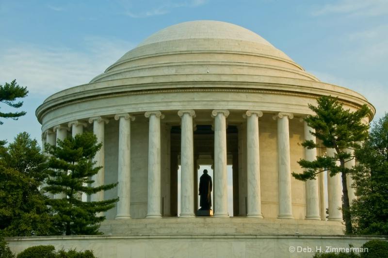 The Jefferson basks in the morning light - ID: 10274694 © Deborah H. Zimmerman