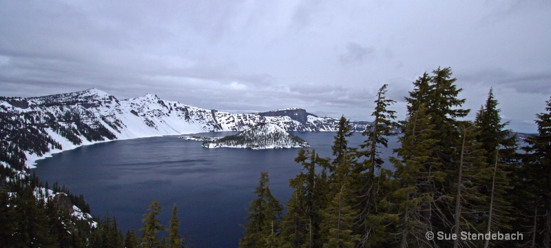 Crater Lake in Spring, OR - ID: 10540744 © Sue P. Stendebach