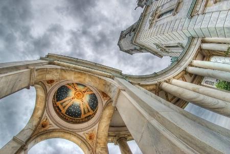 Basilica Curves