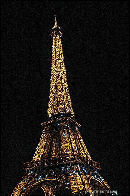 Eiffel Tower - ID: 10660629 © Carmen B. Sewell