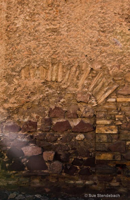 Wall of Many Lives, Guanajuato, Mexico - ID: 10769075 © Sue P. Stendebach