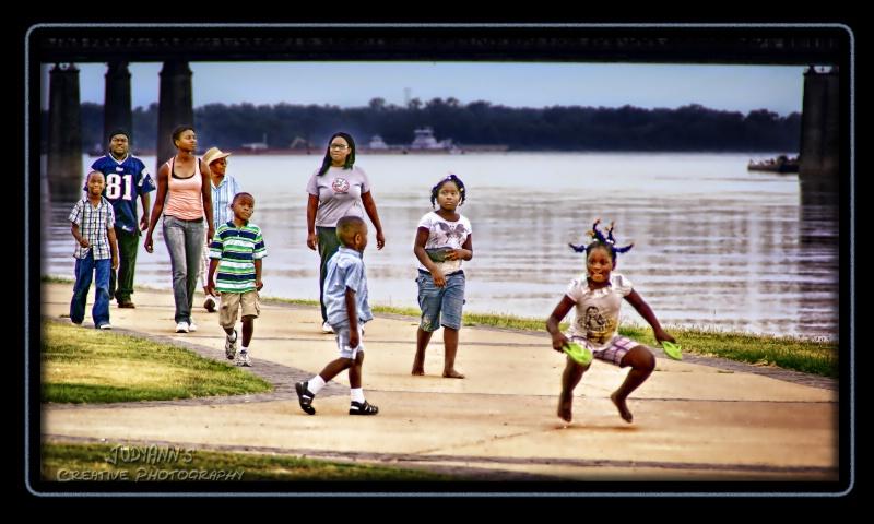 Family Stroll - ID: 10793033 © JudyAnn Rector