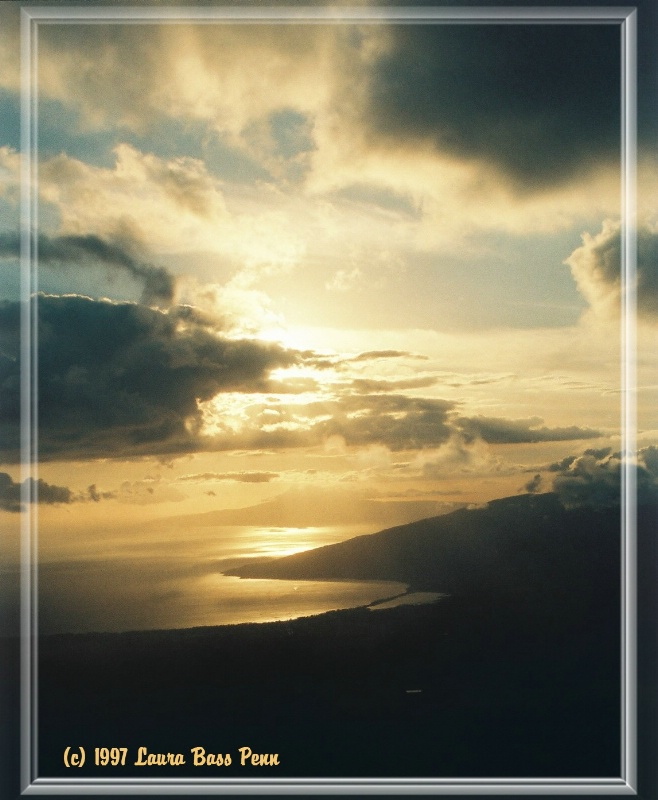 sunset from haleakala - ID: 10864339 © laura  penn