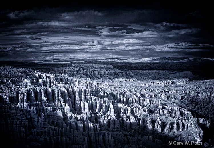 Last Light At Bryce Canyon - ID: 10877357 © Gary W. Potts