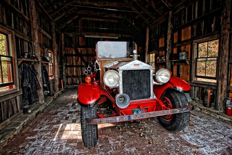 Pyre Engine - ID: 10988226 © Carolyn Keiser