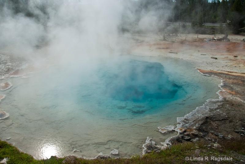 Yellowstone - ID: 11080108 © Linda R. Ragsdale