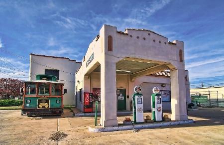 Sinclair Gas Station