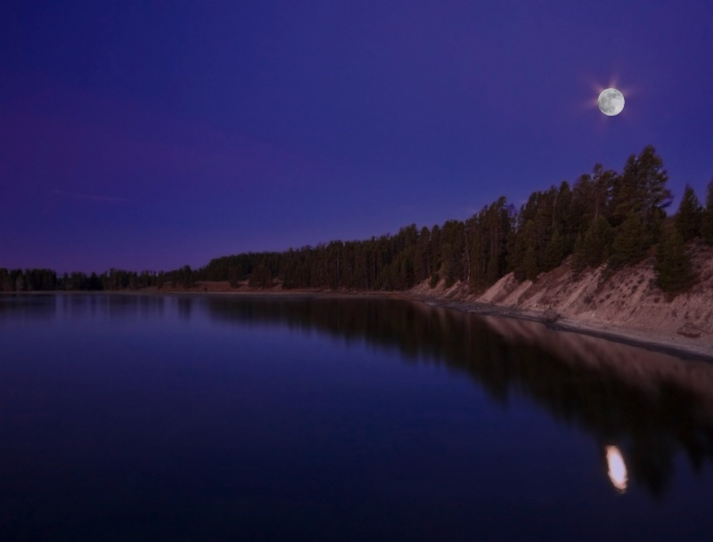 Twilight on Lake Yellowstone - ID: 11178347 © Joseph T. Pilonero