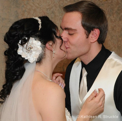 Kissing Action