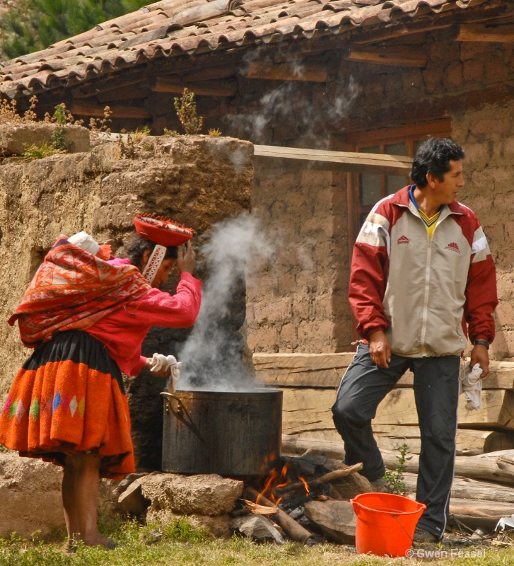 Peru Cooking Pit - ID: 11309366 © gwen feasel
