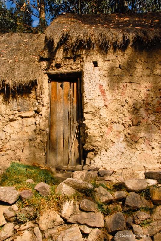 Peruvian Hut - ID: 11309371 © gwen feasel