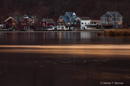 Houses along the Housatonic River