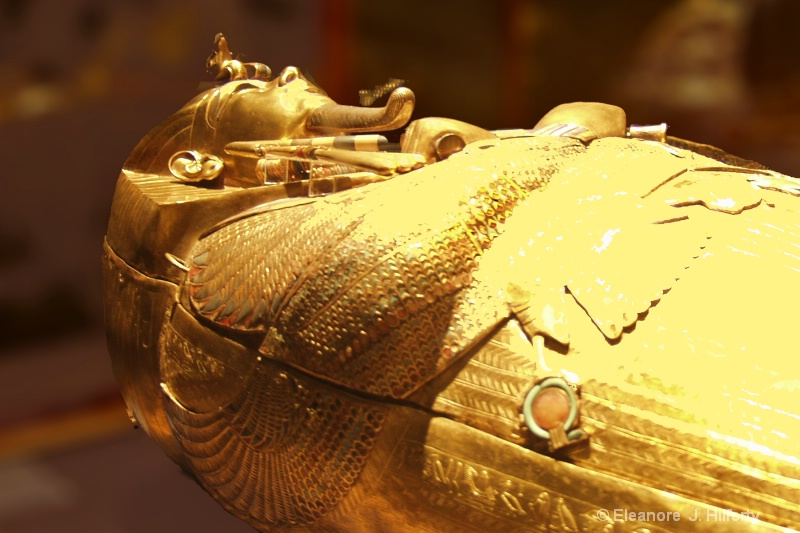 Gold coffin of Tutankhaman - ID: 11425651 © Eleanore J. Hilferty