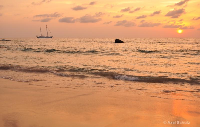 surin beach - ID: 11443250 © Axel Scholz