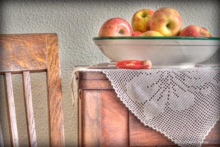 Apple Peelin Time