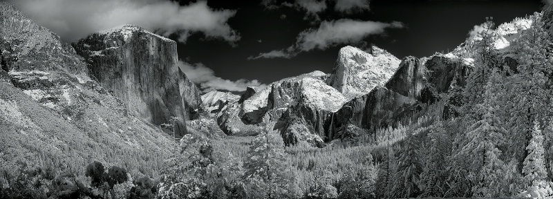Yosemite Valley in Winter - Infrared Panorama - ID: 11488946 © Carolina K. Smith