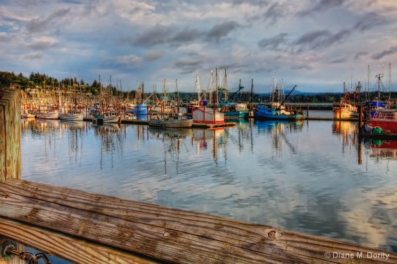 yaquina bay boats